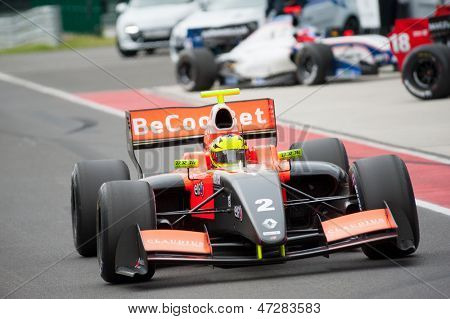 Moskau - Juni 23: Niigel Melker Tech 1-R-Team (FRA)-Rennen in der World Series by Renault in Moskau Rac