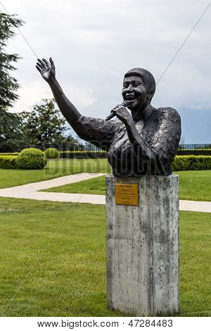 Statue To Aretha Franklin In Montreux