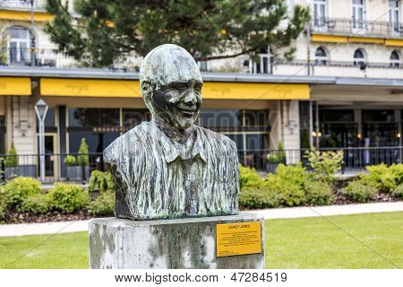 Statue To Quincy Jones In Montreux