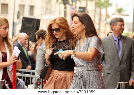 LOS ANGELES - 24 de JUN: Isla Fisher na Jerry Bruckheimer estrela no Hollywood Walk of Fame em