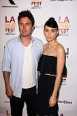 LOS ANGELES - JUN 15: Rooney Mara, kommt Casey Affleck in