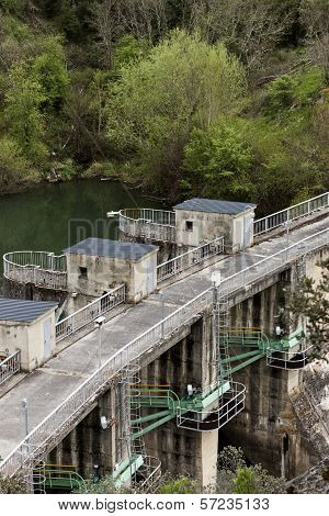Dam Floodgates Detail.