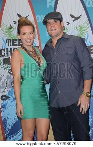 Hilary Duff and Mike Comrie  at the 2010 Teen Choice Awards - Press Room, Gibson Amphitheater, Universal City, CA. 08-08-10