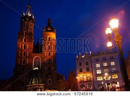 St Mary's Basilica, Rynek Glowny, Krakow, Poland