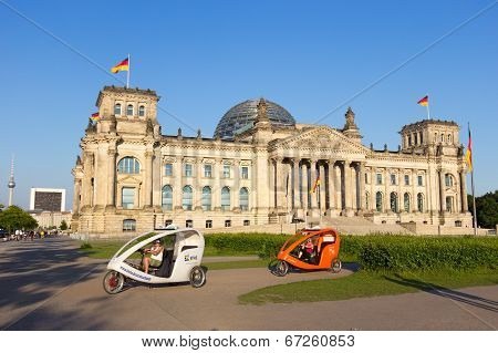 Reichstag Taxi Bike