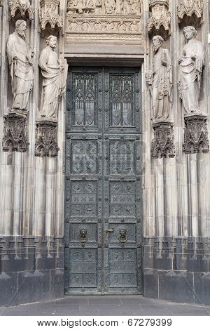 Catholic Saint Figures At Side Entrance