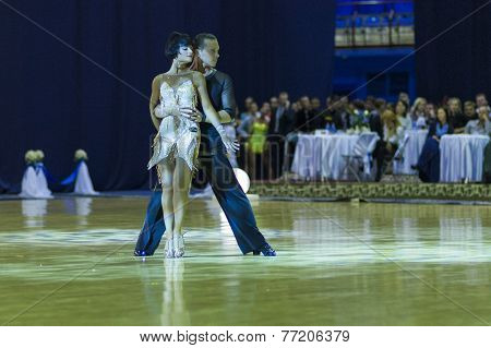 Minsk-belarus, October 4, 2014: Andrey Zaycev And Elizaveta Cherevichnaya (russian Federation)