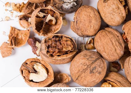 walnuts whole and cracked