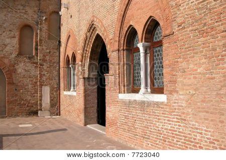 Abbazia Di Pomposa, Ferrara