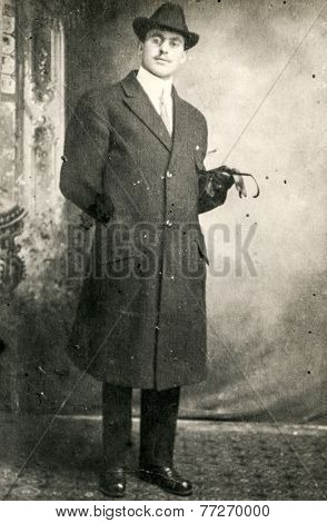GERMANY, CIRCA 1920s: Vintage photo of man in hat