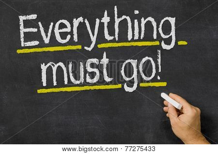 Everything must go written ón a blackboard