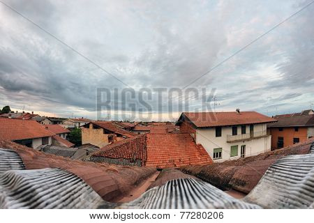 Fish-eye Roof And Sky