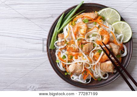 Rice Noodles With Chicken, Shrimp And Vegetables Top View
