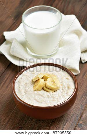 Oatmeal Porridge With Banana Slices