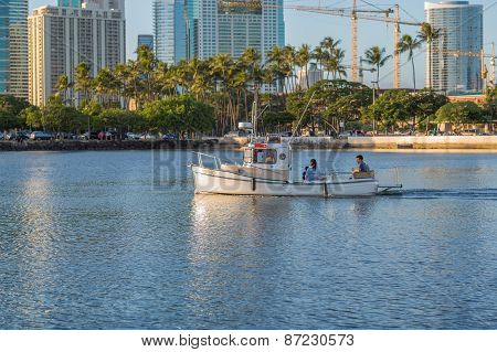 Little Tugboat in Waikiki