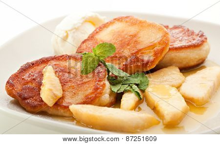 Thick Pancake with Pear and Ice Cream