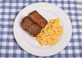 picture of meatloaf  - Slices of meatloaf with macaroni and cheese - JPG