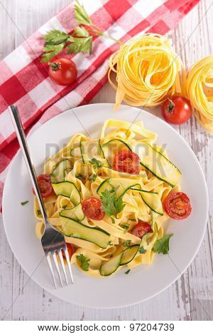 tagliatelle and vegetables