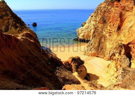 Hidden beach, Algarve