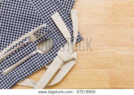 Spoon And Fork On Table / Spoon And Fork On Table Background