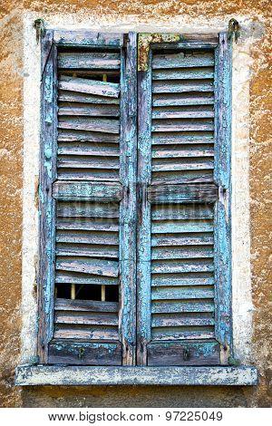Castiglione Olona    Window   Green In The White