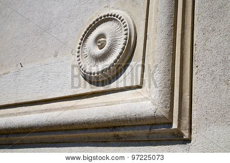Castronno    Varese Abstract   Wall  Curch Circle