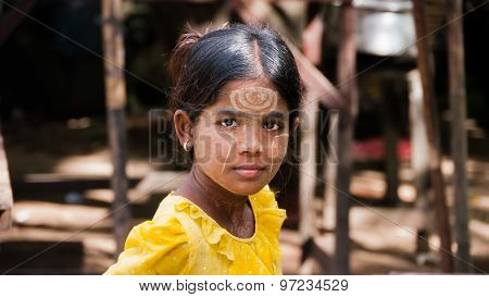 Thanaka Burmese Girl