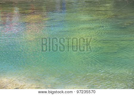 Photo colourful water in the lake