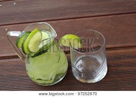 cucumber lime lemonade