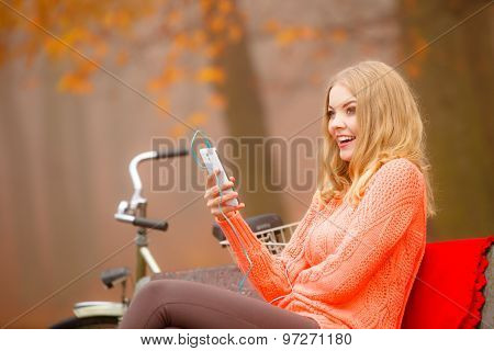 Girl Listening To Music Mp3 Relaxing