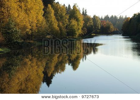 River curve in autumn colours