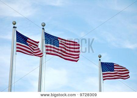 Drei amerikanische Flaggen