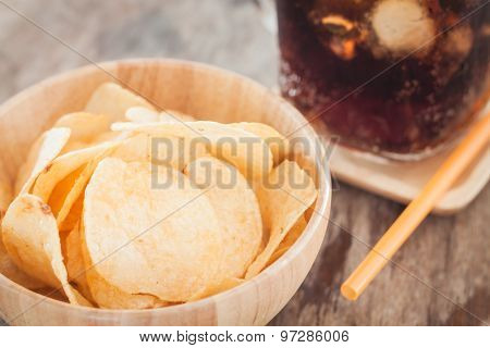 Crispy Potato Chips With Iced Cola