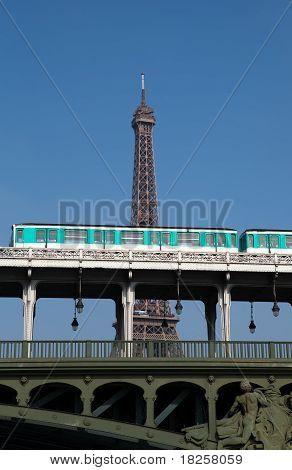 Pont Bir-Hakeim, Paris
