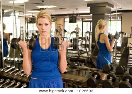 Frau Gewichtheber 1