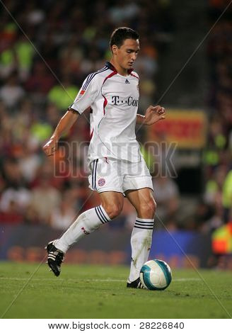 BARCELONA - AUG 22: Mats Hummels of Bayern Munich during a friendly match between Bayern Munich and FC Barcelona at the Nou Camp Stadium on August 22, 2006 in Barcelona, Spain