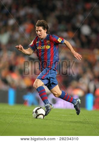 BARCELONA – SEPTEMBER 19: Argentinean player Leo Messi of FC Barcelona during Spanish league match, Barcelona vs Atletico de Madrid at the New Camp Stadium on September 19, 2009 in Barcelona, Spain.