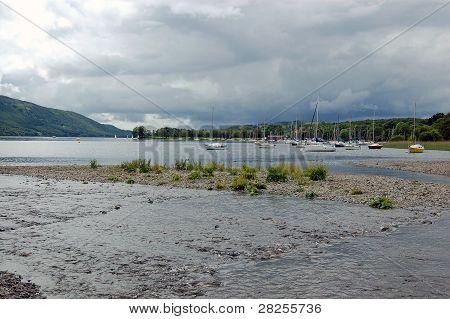 Coniston agua, Cumbria
