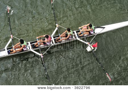 Rowing Teamwork