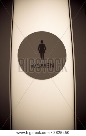 Women\'S Restroom Sign