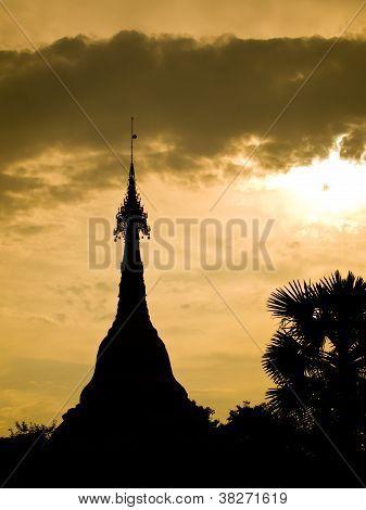 Siluate Stupa1