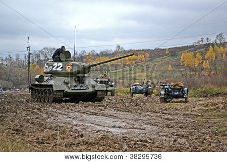Kiev-Nov 04: Military Reconstruction Devoted To Free Kiev City From Nazi Troops During Wwii Near