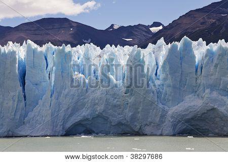 Perito Moreno`s Glaciar Close-up