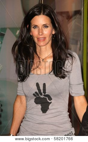 Courteney Cox at the OmniPeace Benefit To Stop Extreme Poverty in Sub-Saharan Africa. Kitson Men, Los Angeles, CA. 06-21-07