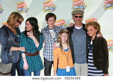 Kate Capshaw with Steven Spielberg and family Polly Draper at Nickelodeon's 20th Annual Kids' Choice Awards. Pauley Pavillion, Westwood, CA. 03-31-07