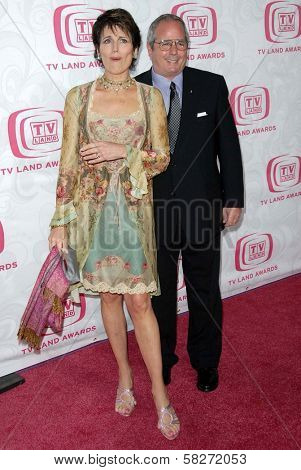 Lucie Arnaz and Desi Arnaz Jr. at the 5th Annual TV Land Awards. Barker Hangar, Santa Monica, CA. 04-14-07