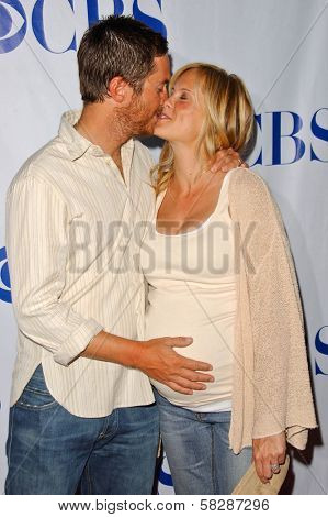 Oliver Hudson and Erinn Bartlett at the TCA 2007 CBS Summer Press Tour. Beverly Hilton Hotel, Beverly Hills, CA. 07-19-07