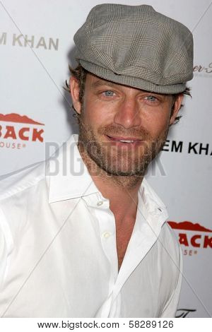 Nate Berkus at the DESIGNCARE 2007 Fundraiser to benefit those battling debilitating disease and life circumstances. Private Residence, Malibu, CA. 07-21-07