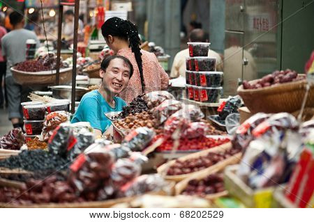 Lively Chinese market in Xian