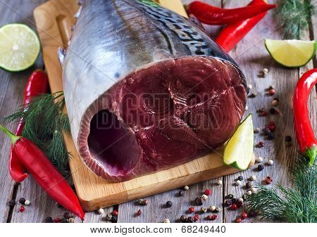 Raw Tuna With Spices